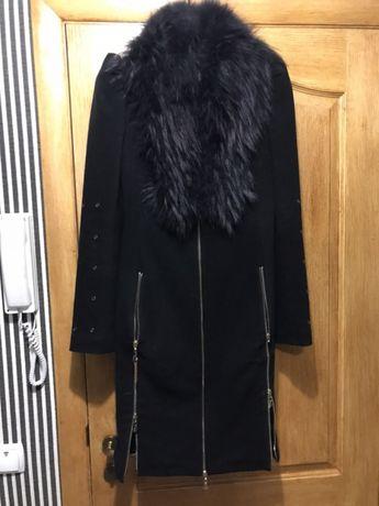 Пальто зимне-осеннее