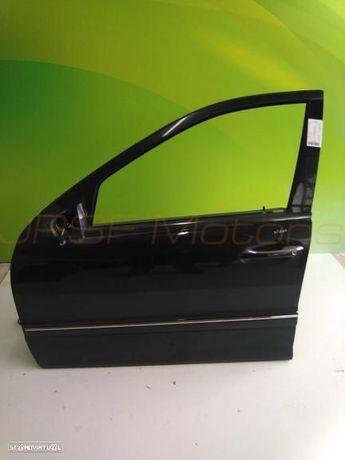 Porta Frente Esquerda Mercedes C220 2.2 Cdi De 2004