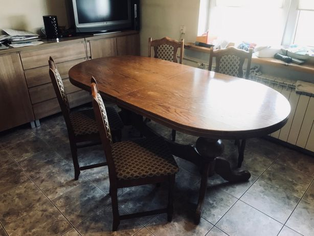 Sprzedam duży rozkładany stół dębowy i krzesła