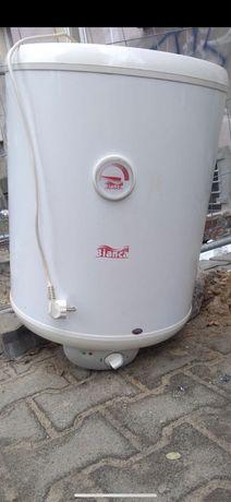 Ogrzewać wody akumulacujny