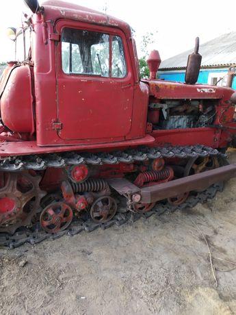 Продам трактор; плуг