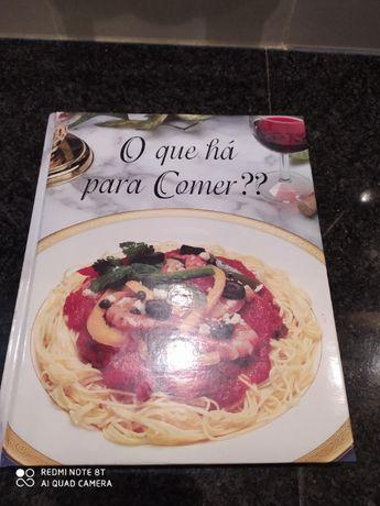 """Livro de cozinha """"O que à para comer? '"""