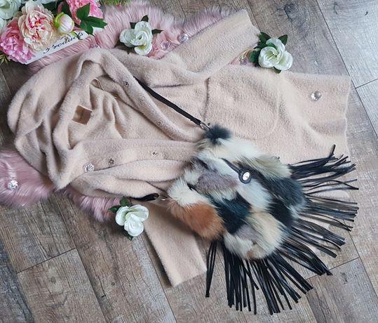 Luka Pelli listonoszka frędzle futro naturalne skóra naturalna lis