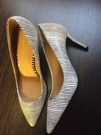 Туфли Calvin Klein размер 36
