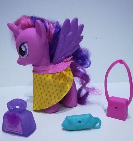 My Little Pony - kucyk Twilight Sparkle z peleryną i 3 torebkami