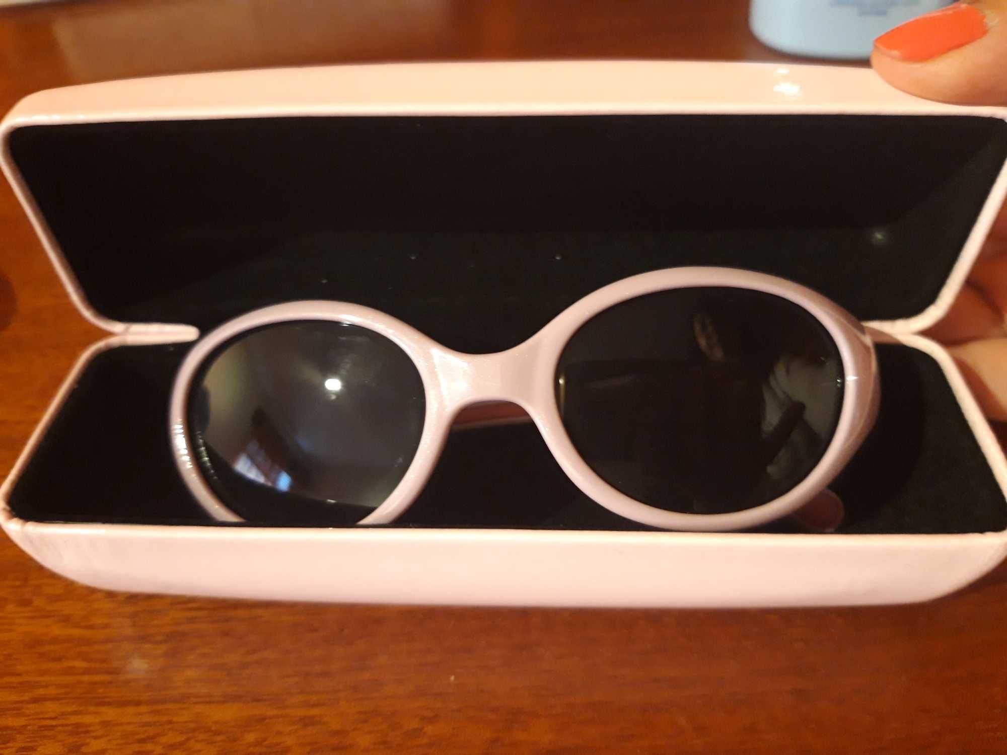 Óculos criança sol hello kitty usado 1 vez