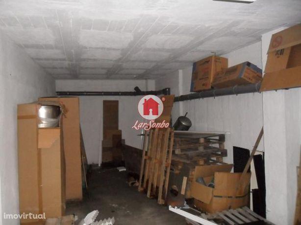 Garagem fechada para 3 carros em Vila do Conde