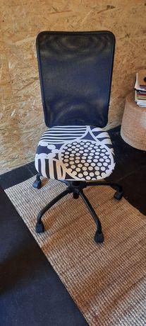 Cadeira de escritório + Secretária Ikea