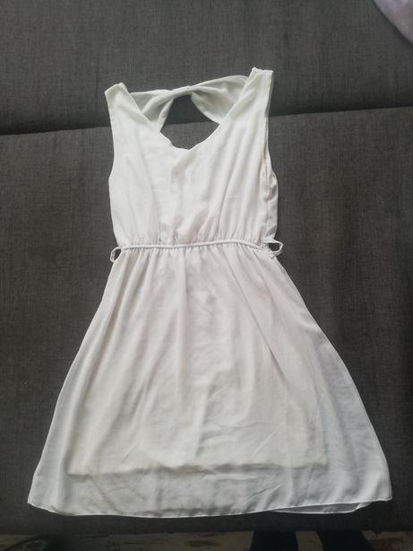 Biała zwiewna sukienka M