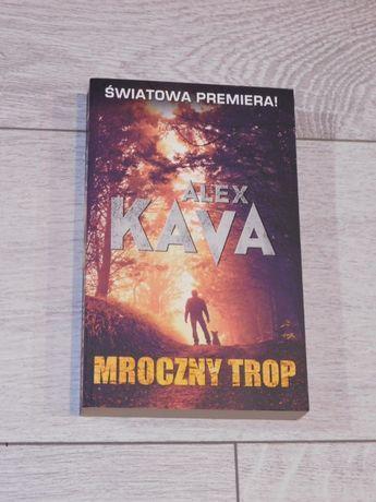 """Książka """"Mroczny trop"""" Alex Kava"""