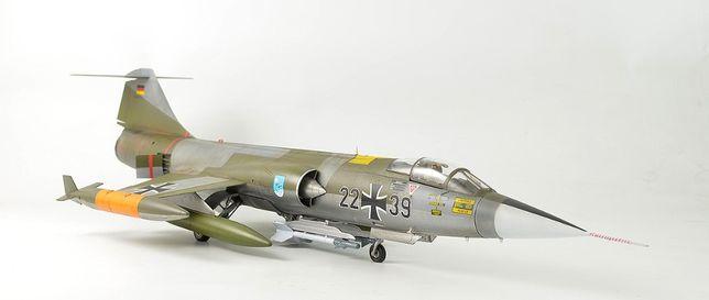 Gotowy model samolotu F-104 Starfighter - skala 1/48 Kinetic Gold