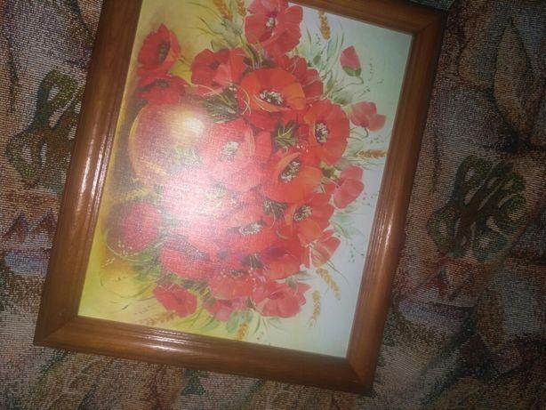 Продаю картины,может кому на подарок подойдёт,висели на стене.