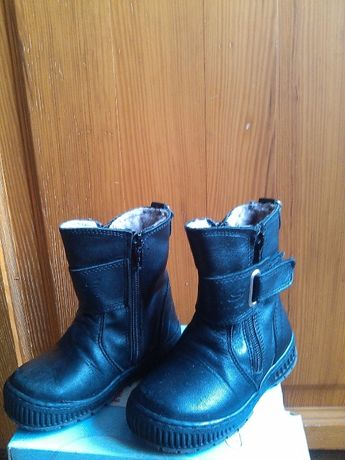 Детские зимние кожаные сапожки 23р на овчине, стелька 15см.