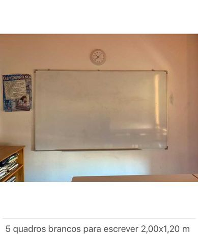 Quadros brancos escolares com canetas e apagadores incluídos