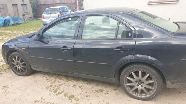 Ford  Mondeo  MK3 2.5v6 automat
