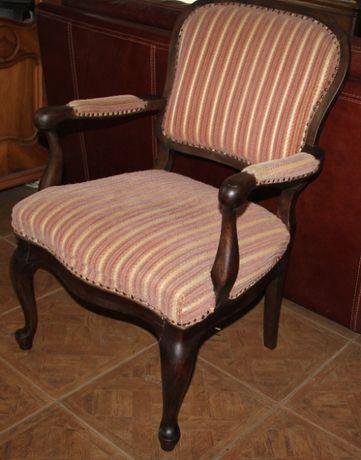 Fotel w stylu Ludwikowskim stary.