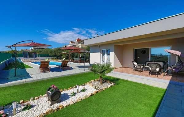 Lato 2022, Chorwacja,Trogir, nowoczesny dom z basenem dla max. 8 osób,