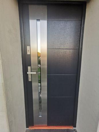 Drzwi wikęd 90 Termo Prestige Lux prawe nowe