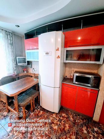 Продам 3-кімнатну квартиру (чешка), район 8-9 школи, 2 поверх