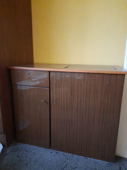 Maszyna do szycia w szafce Bytom - image 1