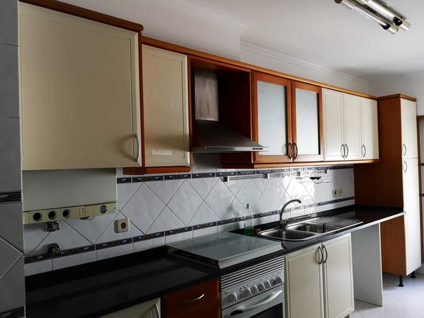 Vendo moveis de cozinha!! lavatório,exaustor, pedra, fogão e forno.