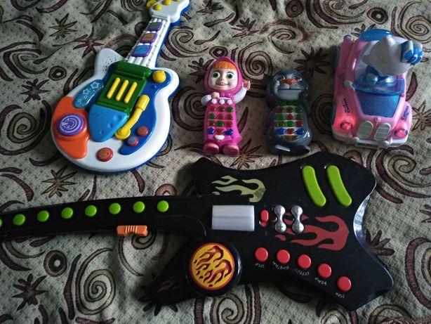 Іграшки музичні і м'які іграшки