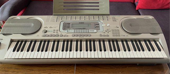 Keyboard elektryczny casio uszkodzony