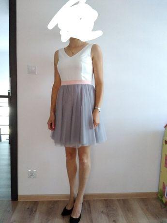 Sukienki  40