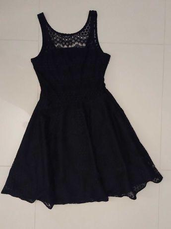 Czarna elegancka sukienka koronkowa Reserved rozm. M
