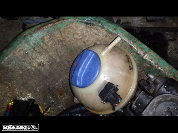 deposito de agua seat cordoba 1.6