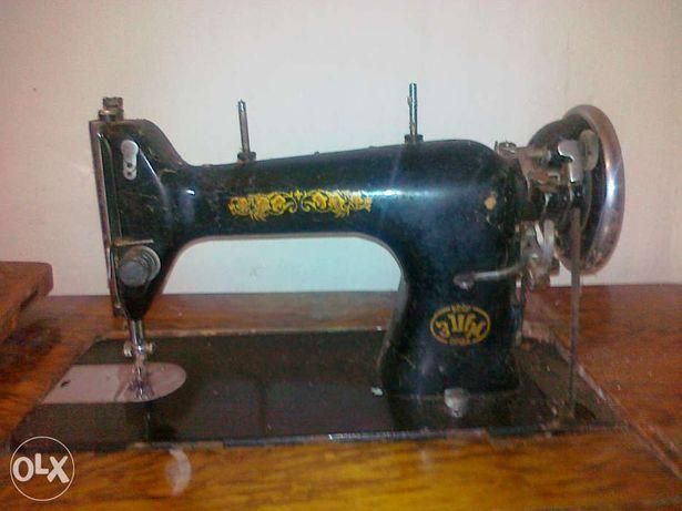 швейні машини у робочому стані