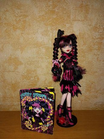 обмен Дракулаура Draculaura Monster High sweet screams  на братц bratz