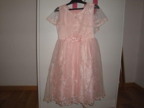 Piękna sukienka na uroczystości r. 146