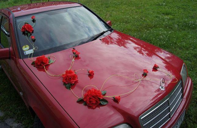 Dekoracja samochodu do ślubu, ozdoby weselne