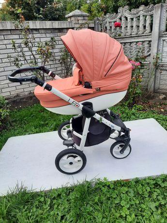 Продам дитячу коляску 3 в1