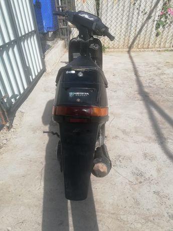 Продаю скутер сузуки сепия 5000грн