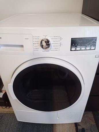 Máquina de secar,como nova, ainda com garantia.