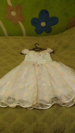 Плаття нарядне на дівчинку 7-9років.