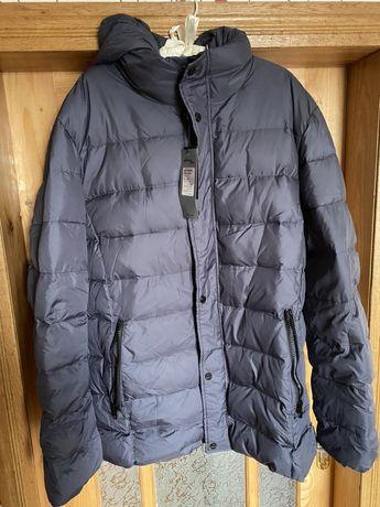 Тепла пухова куртка
