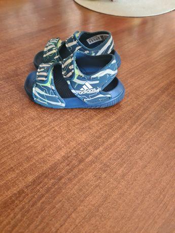 Sandałki firmy adidas