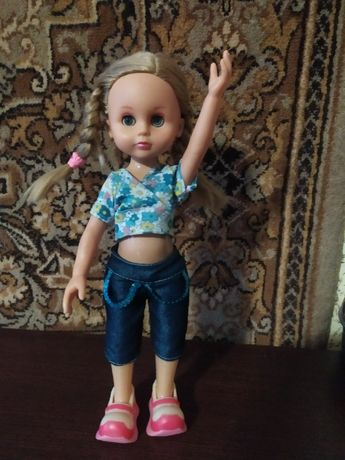 Говорящая кукла Алина, 35 см.