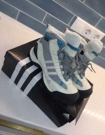 Adidas ботинки женские