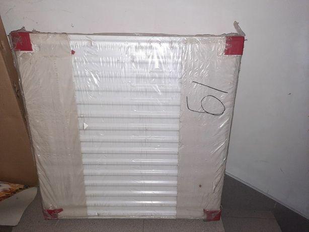 Радіатор опалення Idmar C22 600×600