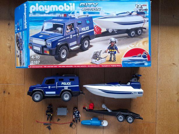 Playmobil City Action, Pojazd terenowy policji z motorówką z silnikiem