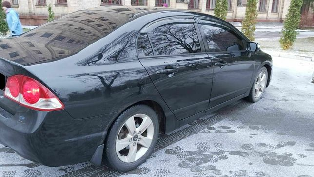 Продам Honda civic 2007года