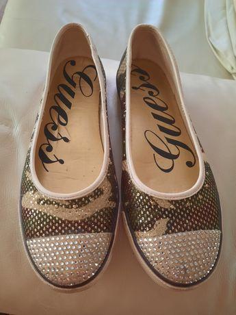 Tenisówki buty Guess 40