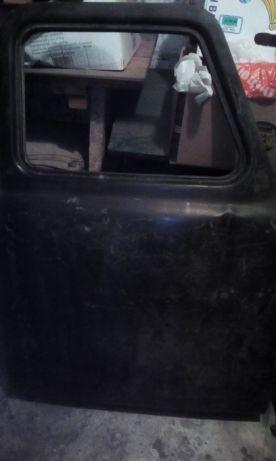 Продам двери,редуктор ГАЗ-53