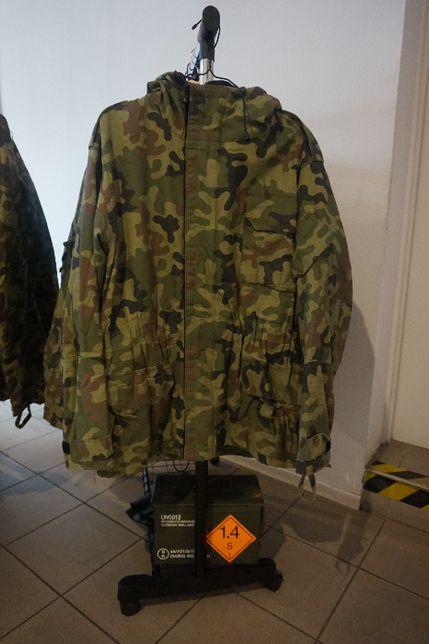 Wojskowa kurtka z kapturem. Duża ilość!