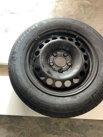 Jante e pneu Michelin sobresselente novos