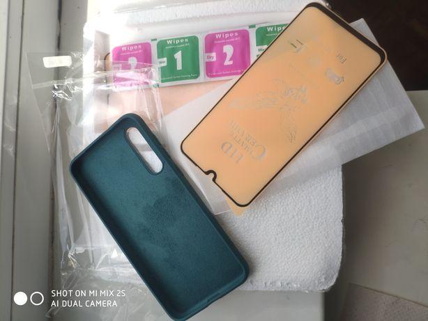 Продам силіконовий чохол та керамічну плівку на Xiaomi Mi 9 se